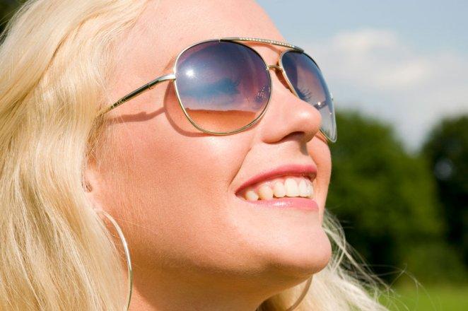 Pas på øjnene i solen og undgå øjenskader