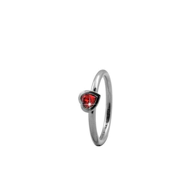 CHRISTINA Sølvring Garnet Heart - 2.6A