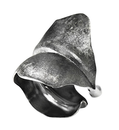 Ole Lynggaard large Blad Ring oxyderet sølv - A3010-302 Ox sølv 53