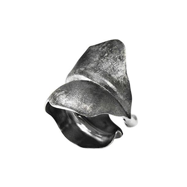 Ole Lynggaard large Blad Ring oxyderet sølv - A3010-302